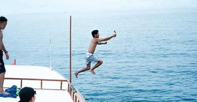 Лучший в мире босс отправил всю фирму отдыхать на Мальдивы...