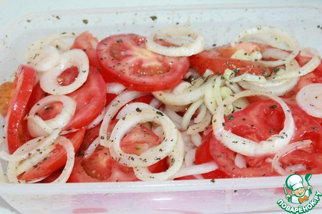 Идеальная закуска к мясу с томатами и луком
