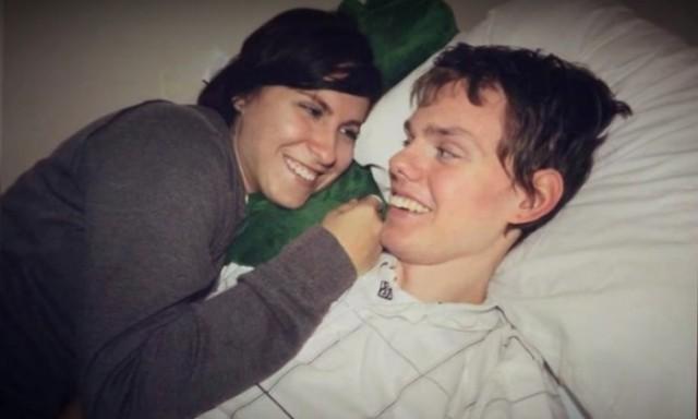 Врачи советовали женщине отключить мужа от аппарата искусственного дыхания. Но они ведь только поженились…